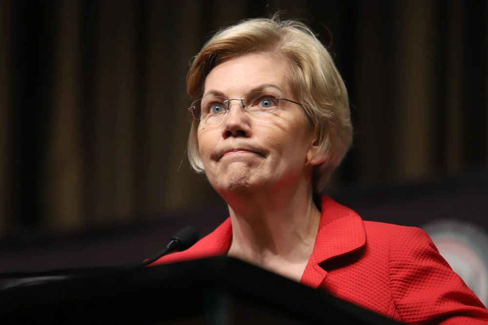 Photo of Warren Bows Out of Primary